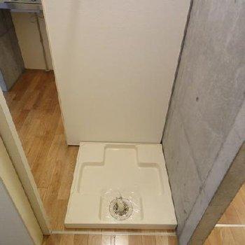 小さめの室内洗濯機置き場