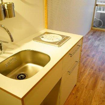 キッチンはIH1口ですが余裕のあるサイズ!