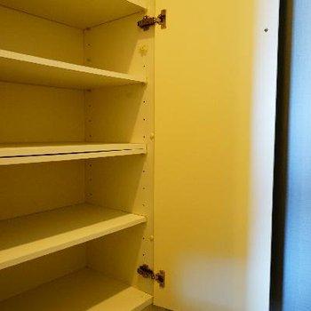 下駄箱はなかんかの容量です!※写真は同タイプ、別部屋です