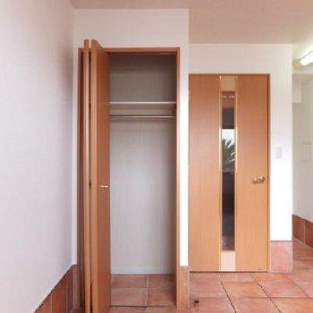1階にも小さめのクローゼットがあります