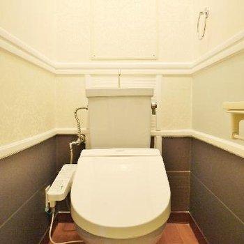 王様のトイレみたいですね!