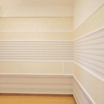ここは玄関横の洋室!クーラー付いてますよ!