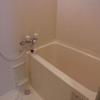 お風呂は普通※写真は別部屋です