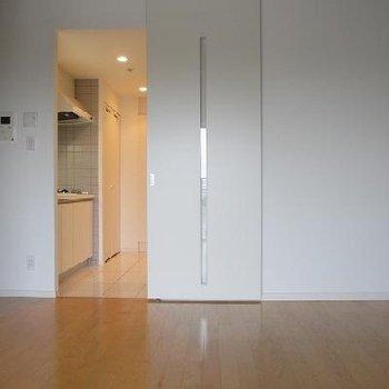 9.7帖の居室の写真です※写真は別部屋です