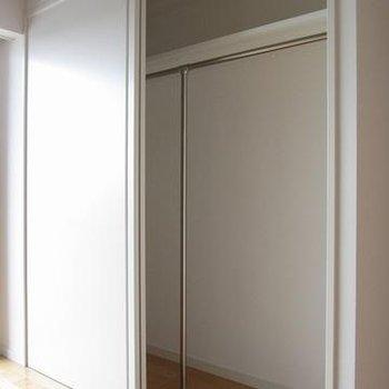 広めのクローゼット※写真は別部屋です