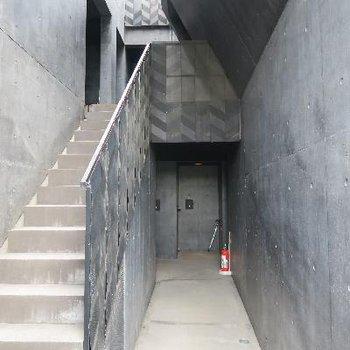 部屋へ続く廊下がかっこいい