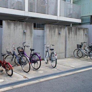 駐輪場2か所あります。