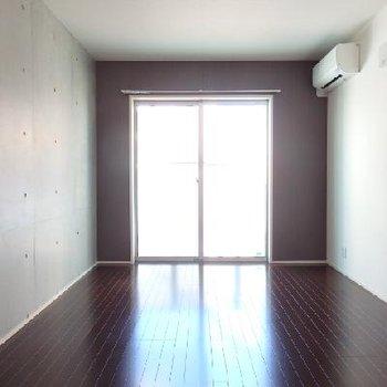 コンクリのスタイリッシュルーム※写真は別部屋
