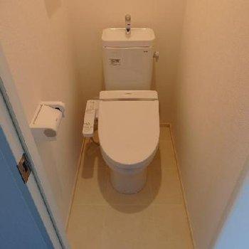 キレイなトイレ※写真は別部屋