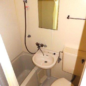 3点ユニットの浴室