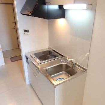 IH2口のキッチン※写真は別部屋