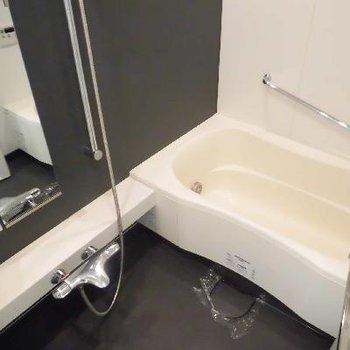 お風呂もシックでクールです