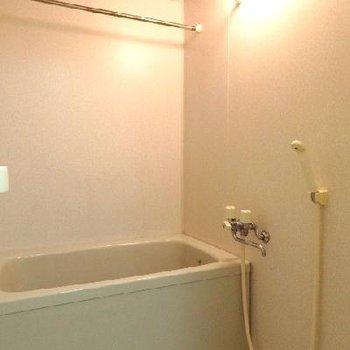 お風呂には浴室乾燥機が付いています!