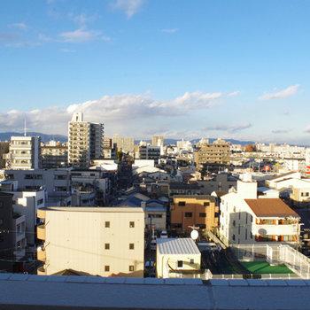 やっぱ8階ともなると空が綺麗