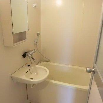 洗面台はお風呂に。。。