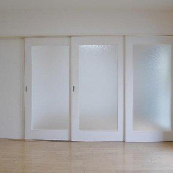 リビングと洋室は2部屋に区切ることも◎