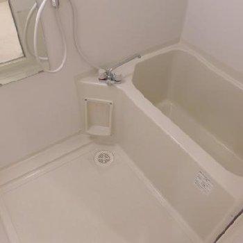 お風呂は普通。広さは十分かな