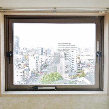 小窓からの景色も良好です!