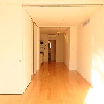 ちょっと変わった細長いお部屋。※画像は、同じ間取りのお部屋です