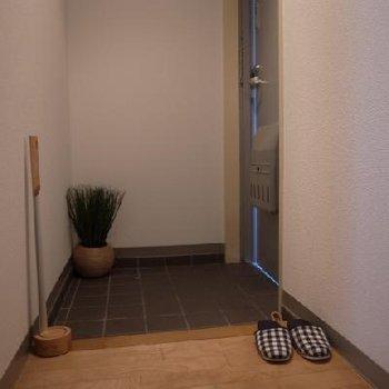 スッキリとした玄関 ※写真は別部屋