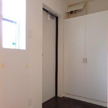 玄関。シューズボックス付きです