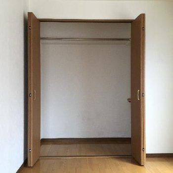 洋室の収納は大きめ