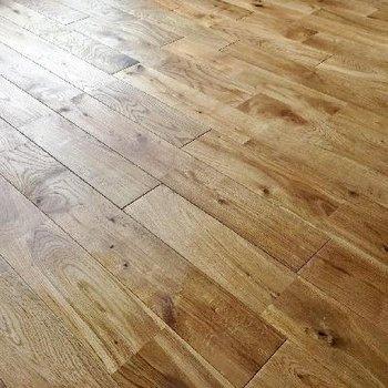 かっこいい雰囲気のオークの無垢床に!