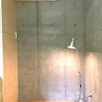 個室の奥です!天井が高いですよ!