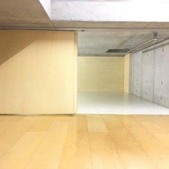 床下収納が見えてきました。
