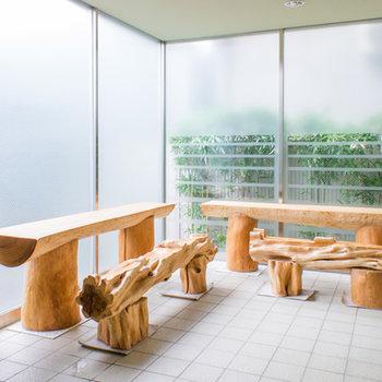 芸術的なテーブルセット