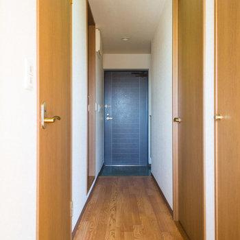 ドーンと廊下を抜けて寝室へ