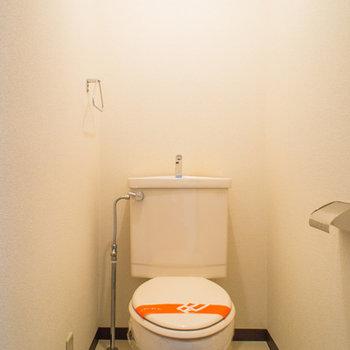 トイレの上には棚付き