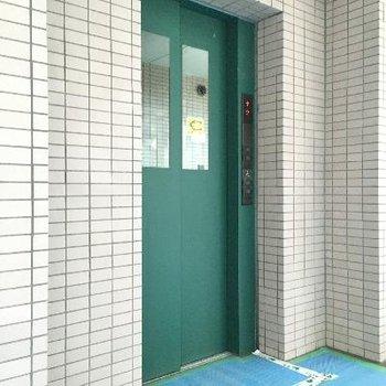 こちらエレベーター11階建てには欠かせませんよね!