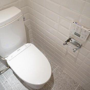 トイレも新品で高機能!