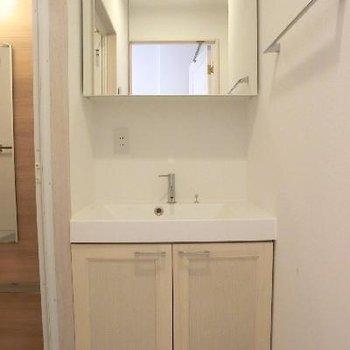 ワイドな洗面台が素敵!!