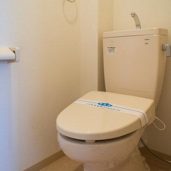 おトイレは玄関の横です。