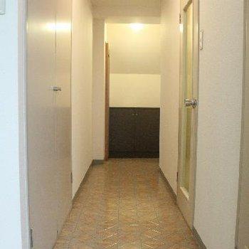 廊下も長~い