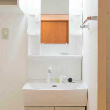 洗面台はコンパクト