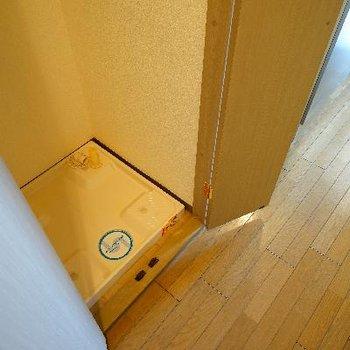 キッチン横の洗濯機は隠せます!