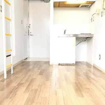 広くはないですが、スペースは十分あります。