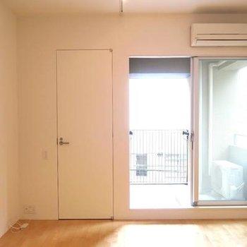ナチュラルな空間です。※写真は301号室
