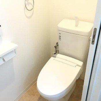 トイレ。新しいのでとても綺麗