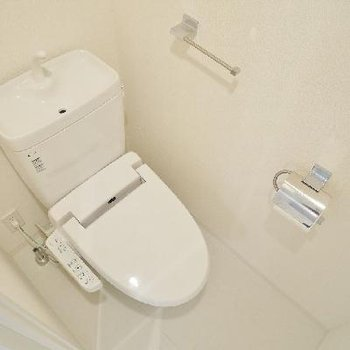 洗浄便座のトイレ。