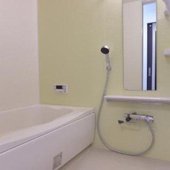 お風呂も広い!柔らかい雰囲気です。