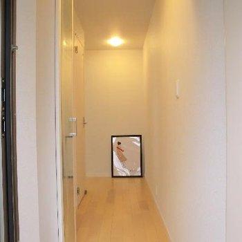 ここの廊下の余裕っぷりがたまらない。