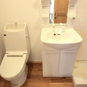 トイレは併設。