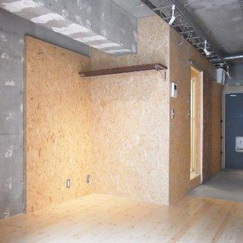 コンクリート×圧縮木材。