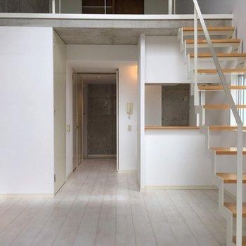 階段がかわいいメゾネットのお部屋です!