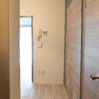 名残惜しいので振り返り。お風呂の扉こちらはリメイクされてます