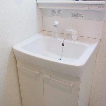 洗面台も綺麗!